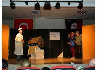 ''Hayat oyunu içinde bir oyun; Tiyatro!''