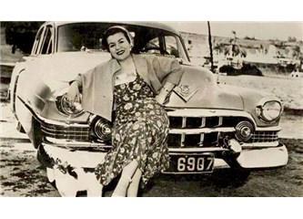 1960 lı yıllarda Şişili-Samanyolu sokak 90 nolu kapı komşumuz Hamiyet Yüceses'e saygı ile...
