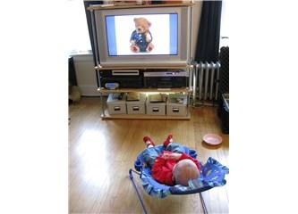 Çocukların Televizyon izlemesi neden gereksiz!
