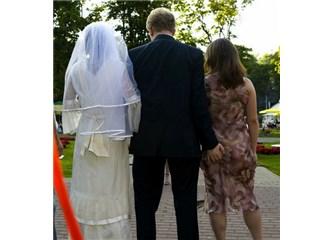Aldatma konusunda karınızın bilgili kültürlü olması mı yoksa bilgisiz olması mı daha iyi?