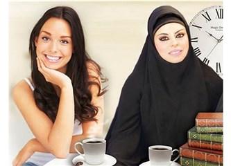 Müslüman kadın ister başörtü takar, ister takmaz, ister çarşaf giyer, ister bikini ile plajda gezer.