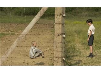 Çizgili Pijamalı Çocuk / John Boyne