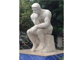 Düşünen Adam heykeli neden Bakırköy Akıl Hastanesi bahçesinde.