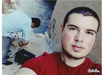 Cumhuriyet Üniversitesi Ekonometri Bölümü öğrencisi ve şair Enis Berkil ile...