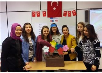 Türk Eğitimciler Almanya'da barış tohumları ektiler