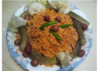 Kısır (İnce bulgur salatası)