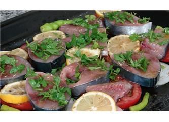 Palamut balığının fırında pişirilmesi