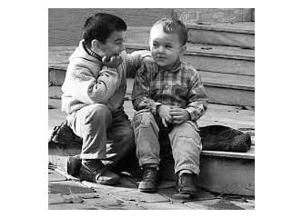 Arkadaşlığın manasını yitiriyoruz sanki