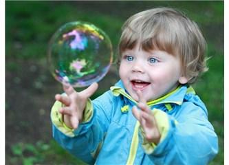 Küçüklere çocuk diyoruz da çocuk kaç yaşında olur belli değil
