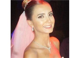 """""""İzmir'in """"Grace Kelly' si, yılın düğününde, Swiss Otelde, Bahattin Tatış ile evlendi."""