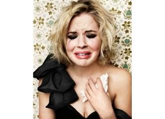 Kadınlar ve erkekler aynı şekilde aşk acısını yaşamıyorlar tabii ki ..