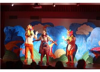 Berko Çocuk Tiyatrosu, Koruncuk Vakfı ziyaretiyle sezonu açtı