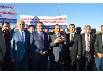 """Bakan Tüfenkci'ye """"ÖTV Teşekkürü"""" karşılaması"""
