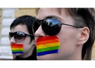 Toplum cehaletten ve cinsiyetçilikten dolayı eşcinselleri transseksüelliğe zorluyor