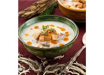 Mantı suyunda köfteli çorba