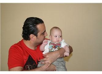 Bebeklerle nasıl vakit geçirmeliyiz?