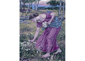 Cennetin dağlarında çiçek toplayan Julia