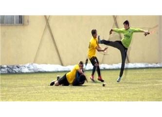 Türkiyede futbol oynanmasa ne olur