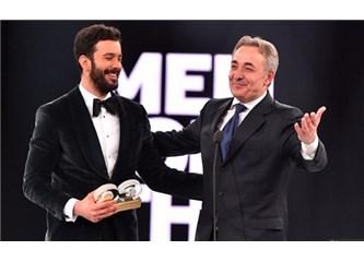 GQ Ödül Töreni'nde Mehmet Aslantuğ'a yapılan nezaketsizlik