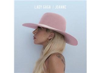 """Lady Gaga """"Joanne"""" ile iç baymaya devam ediyor"""
