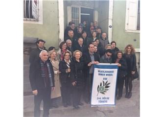Türkiye Beyazay Derneği İzmir Şubesi'nde Beyaz Baston dağıtımı