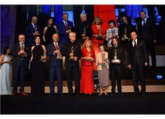 Engelsiz Yaşam Vakfı yılın en iyileri ödül törenine yıldız yağdı