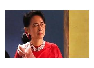 Myanmar'da Müslümanlar Sivrisineğe Bile Merhametli Budizm Adına Katlediliyor