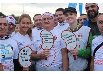 Ünlü Oyuncular Türk Böbrek Vakfı İçin Maraton Koştular