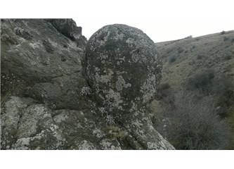 Felsefe Kayalıklarına Tırmanırken,