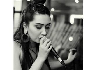 Şarkıcı Parçası