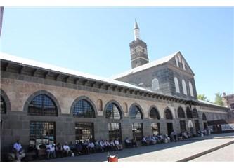 Diyarbakır'a Yolculuk  ve  Gazi  Köşkünde  (4)
