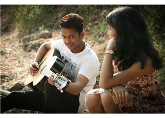 Aşk ve Hayatın Şarkısı