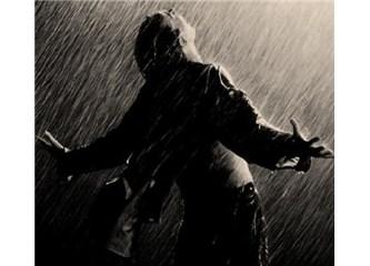 Süzme Sözcükler: (Haiku) Yağmur Altında