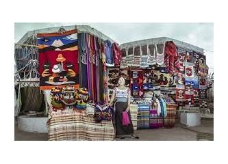 """İkinci Gün, """"Abla"""" Grubu ve Diğer Katılımcılar Ekvador'da, Otavalo ile Papallacta'ya Giderler"""