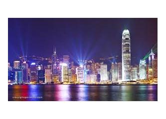 """""""Abla"""" Dörtlüsü ile Katılımcılar, İkinci Gün, Hong Kong'da Şehir Turu Yapar."""