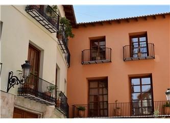 Balkon Muhabbeti   (Kadın, Sivrisinek, Karınca)