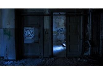 Kimsenin Olmadığı Kapı