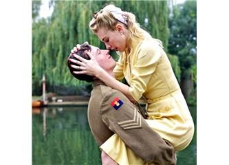 Dünyada Sanki Her Şey Bir Gün Kaybolup Gidecek Gibi, Belki Aşk ve Savaş