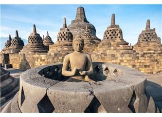 """""""Abla"""" Grubu Dokuzuncu Gün Java'da, Borobudur, Mendut, Pawon ve Prambanan Tapınaklarını Gezer"""