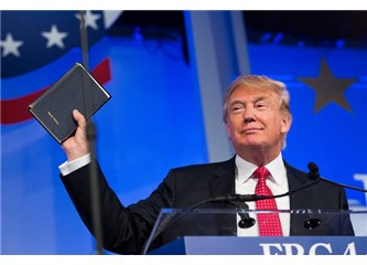 """Amerika'daki """"Dinciler"""" Trump'ı Kutsallaştırıyor, Tehlike Çok Büyük!"""