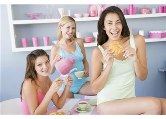 Kim Yiyerek Güzelleşmek İster?