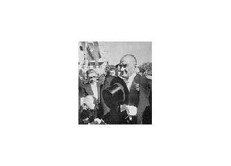 Öğretmenler Atatürk'ü Dinleyin