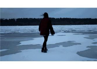 Yalnızlık Aklın Degil; Aşksız Bir Kalbin Sızlaması Olmasın Yeter ki..