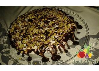 Evde Yaş Pasta Nasıl Yapılır?