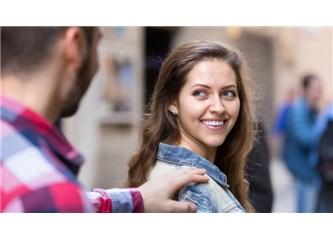 Hoşlandığın Bir Kadın Ya da Adam Uğruna Kendi Başını da Yakmaya Değer mi?