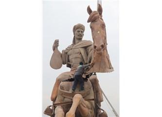 Bolu'ya Köroğlu Heykeli; Bolu Beyi Olmadan Köroğlu Olmaz Onun da Heykeli Dikilmeli