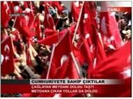 Atatürk' üm rahat uyu, biz varız!