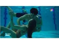 Medcezir / Yaman (Çağatay Ulusoy) & Mira (Serenay Sarıkaya) su altı bale gösterileri: