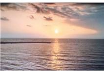 Deniz, Güneş, Dalgaların Sesi ve Mutluluk...